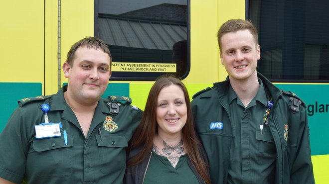Amanda Buckland praises paramedics who treated her for meningitis