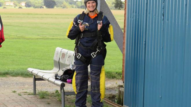 Kim skydive