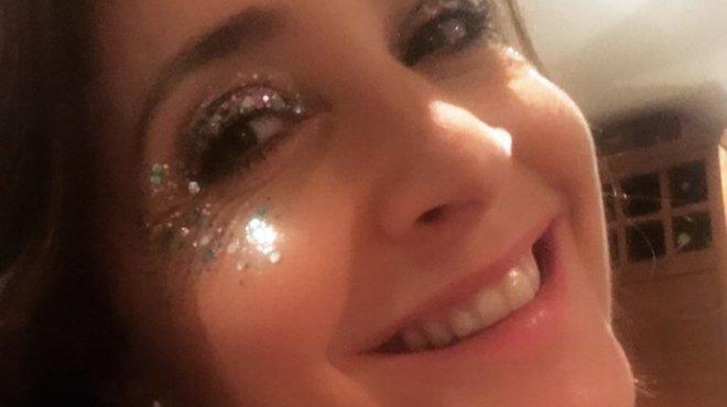 Meningitis Now fundraising event Get Your Glitter On - Lisa Snowdon